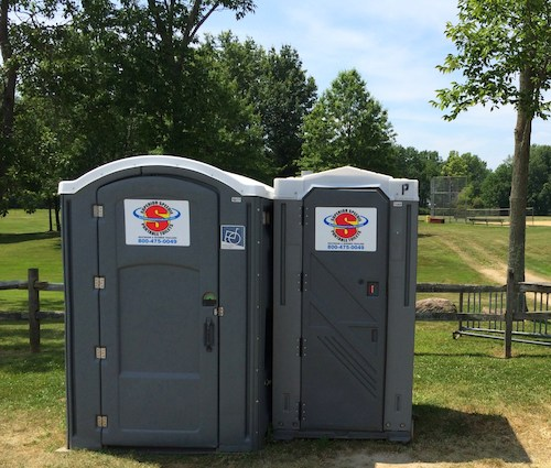 Standard and Handicap Accessible porta pottys for rent in Hudson Ohio